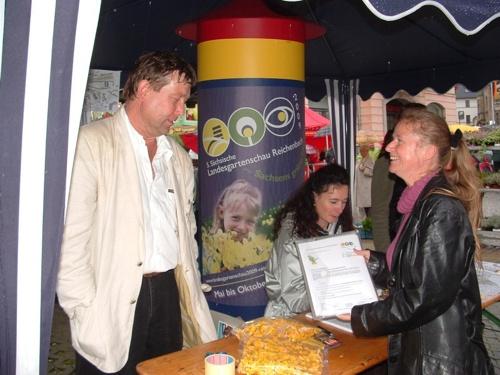 Dr.Kurze und Fr. Riechert beim Bürgerfest